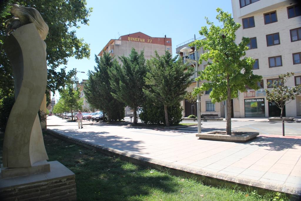 Avenida Del Pilar.