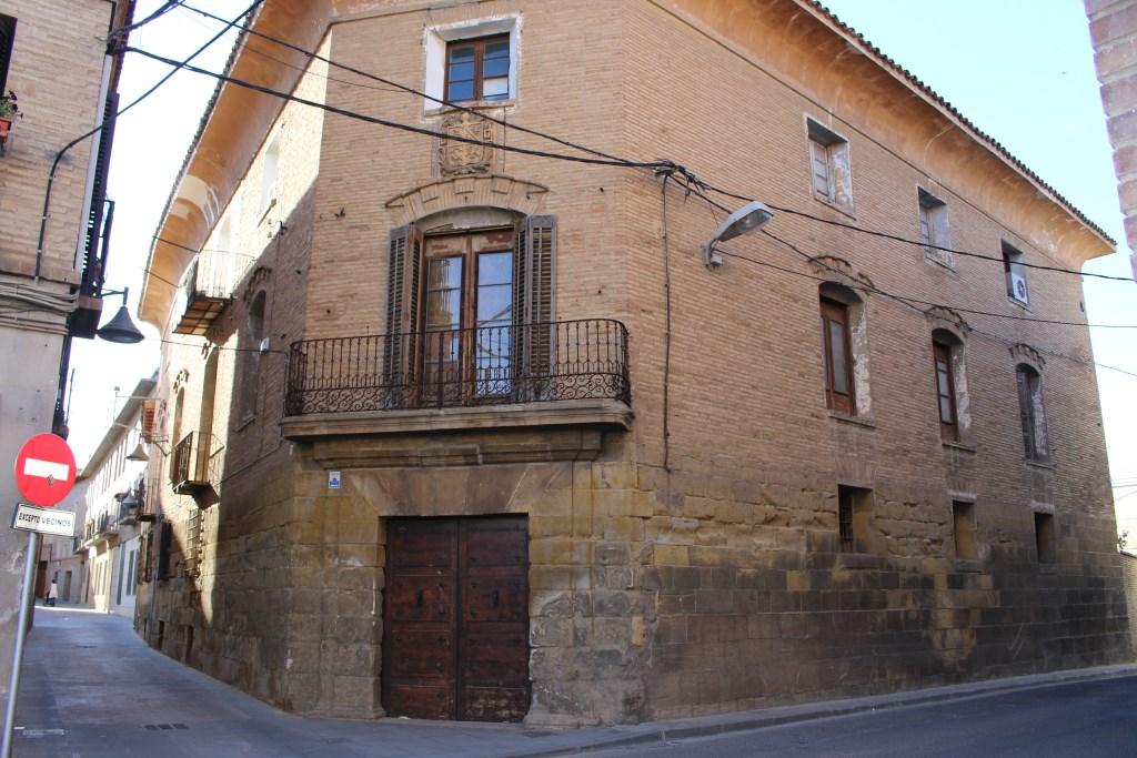 Casa Ruata, Plaza de la Litera.
