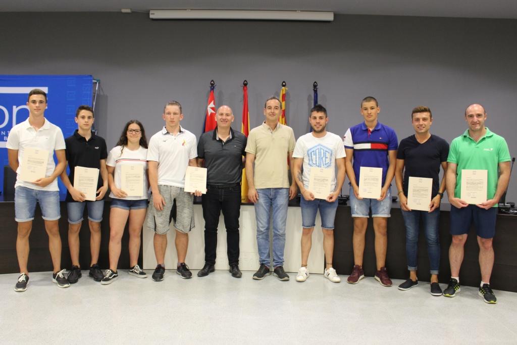 Los deportistas de Binéfar más destacados reciben la felicitación del Ayuntamiento por sus logros