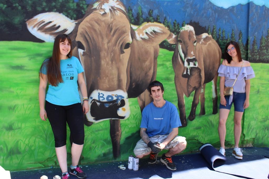 Binéfar revaloriza el entorno de la Estación de Autobuses con arte urbano joven