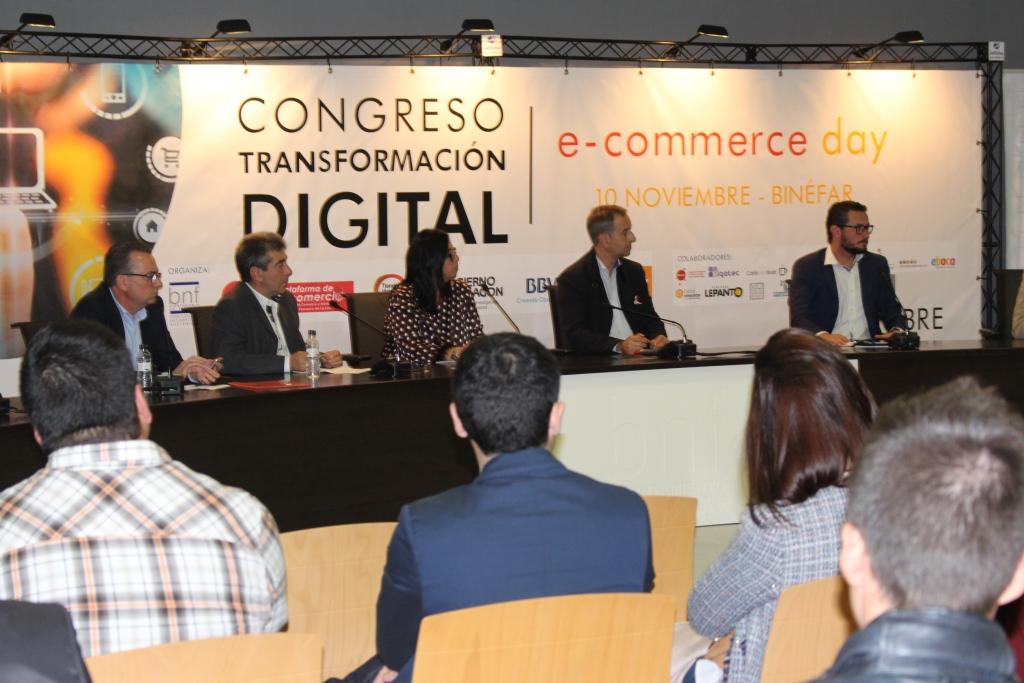 El Congreso Transformación Digital dejó claro ayer en Binéfar que el futuro del comercio pasa por la integración de las nuevas tecnologías