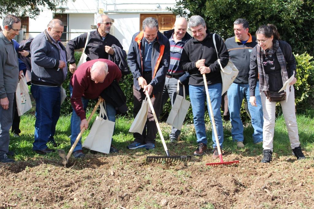 El curso de horticultura ecológica  ha despertado el interés de cuarenta y cinco personas