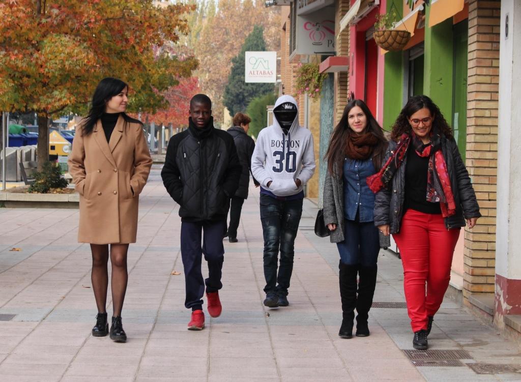 La concejalía de Juventud presenta el programa in-T-gra para jóvenes inmigrantes