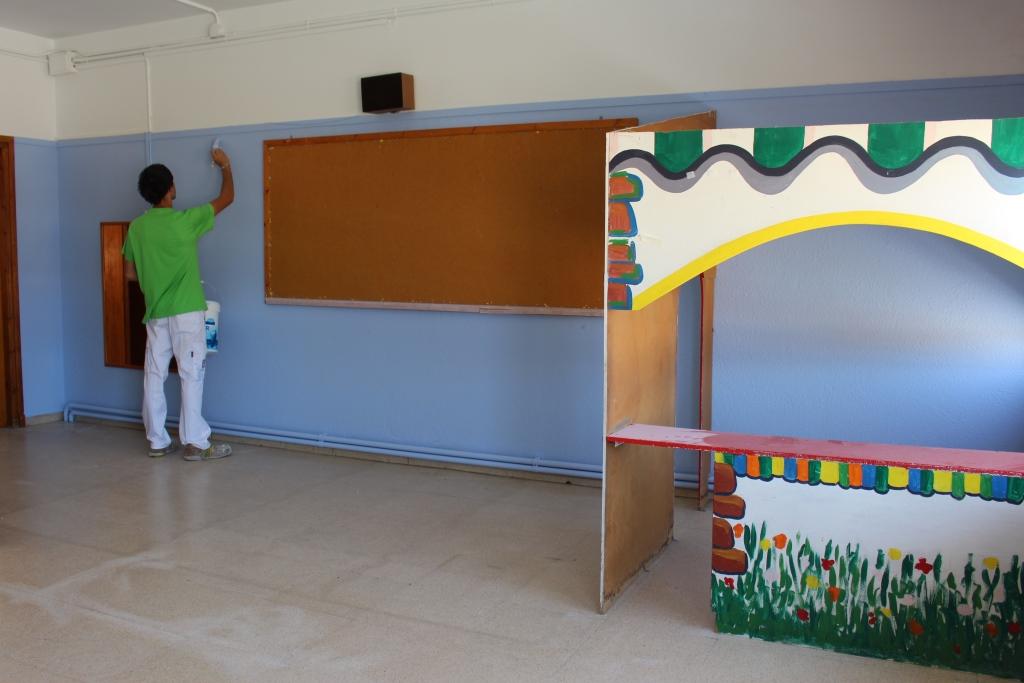 El Ayuntamiento de Binéfar pinta las aulas y realiza diversos trabajos de mantenimiento en el CEIP Víctor Mendoza
