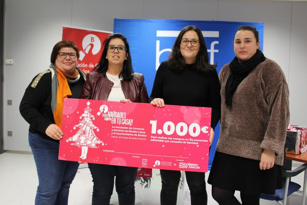 La binefarense Maria Pilar Gálvez ha sido la agraciada con los 1.000 euros de la campaña de Navidad de la Asociación de Comercio de Binéfa