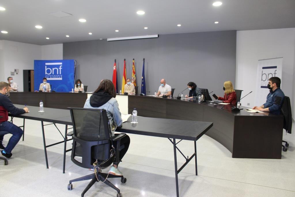 El Ayuntamiento de Binéfar aprueba una moción institucional reivindicando el servicio ferroviario